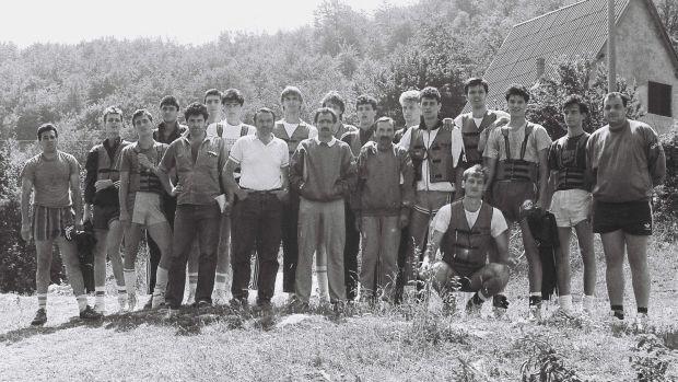 Slika 2, 1988 JUN.YU REPR. na Planinarskom